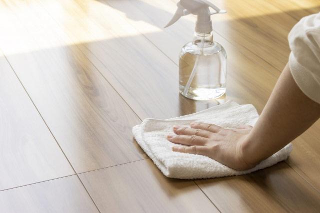 ハウスクリーニング 床拭き